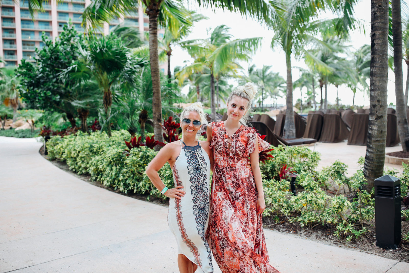 bahamas vacation summer trip aspyn ovard outfit ideas dresses lulus maxi dress printed_-15