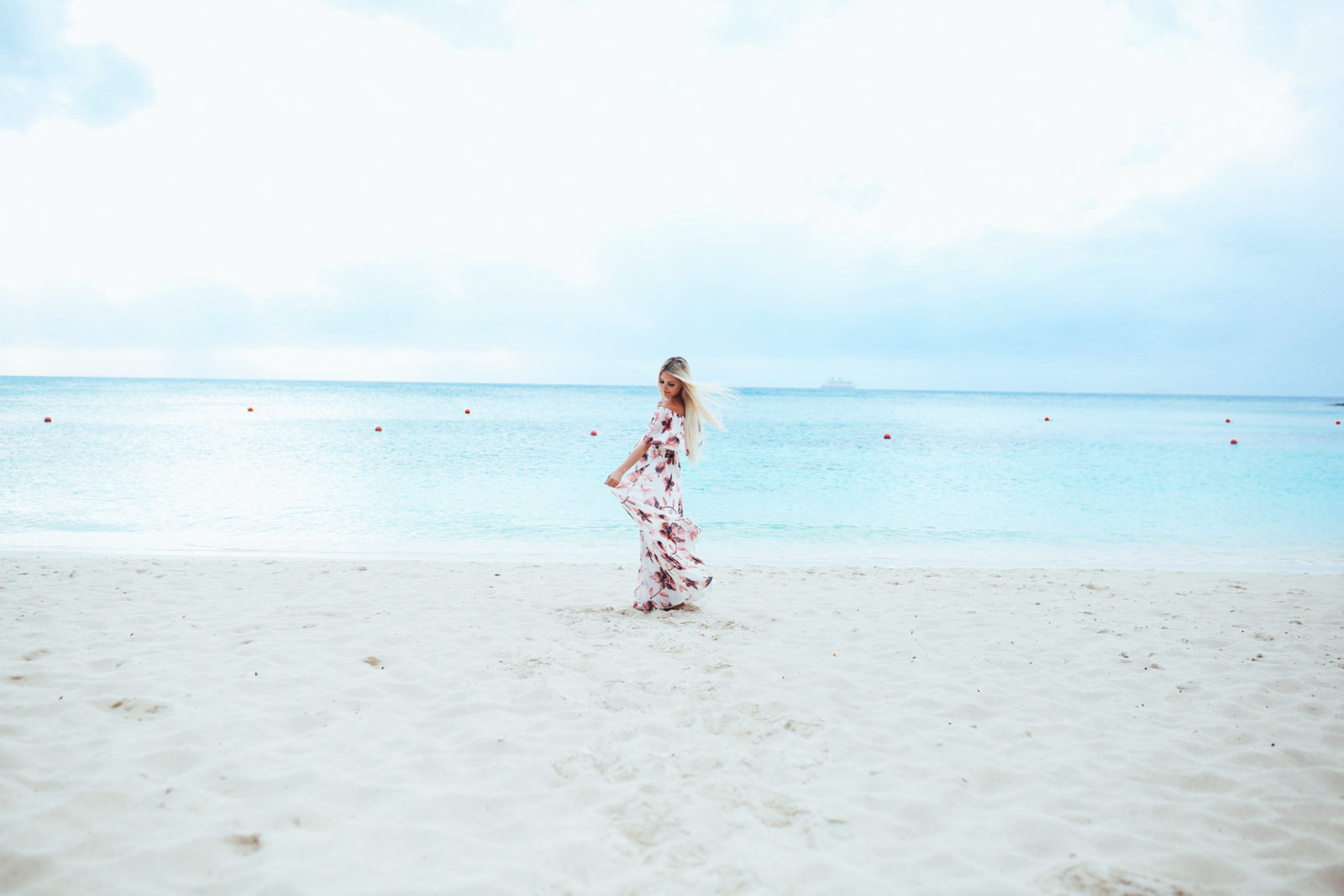 bahamas vacation summer trip aspyn ovard outfit ideas dresses lulus maxi dress printed_-4