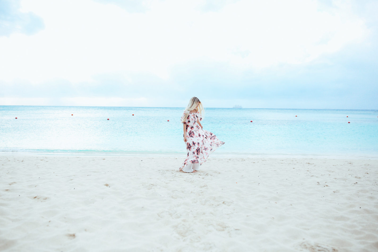 bahamas vacation summer trip aspyn ovard outfit ideas dresses lulus maxi dress printed_-5