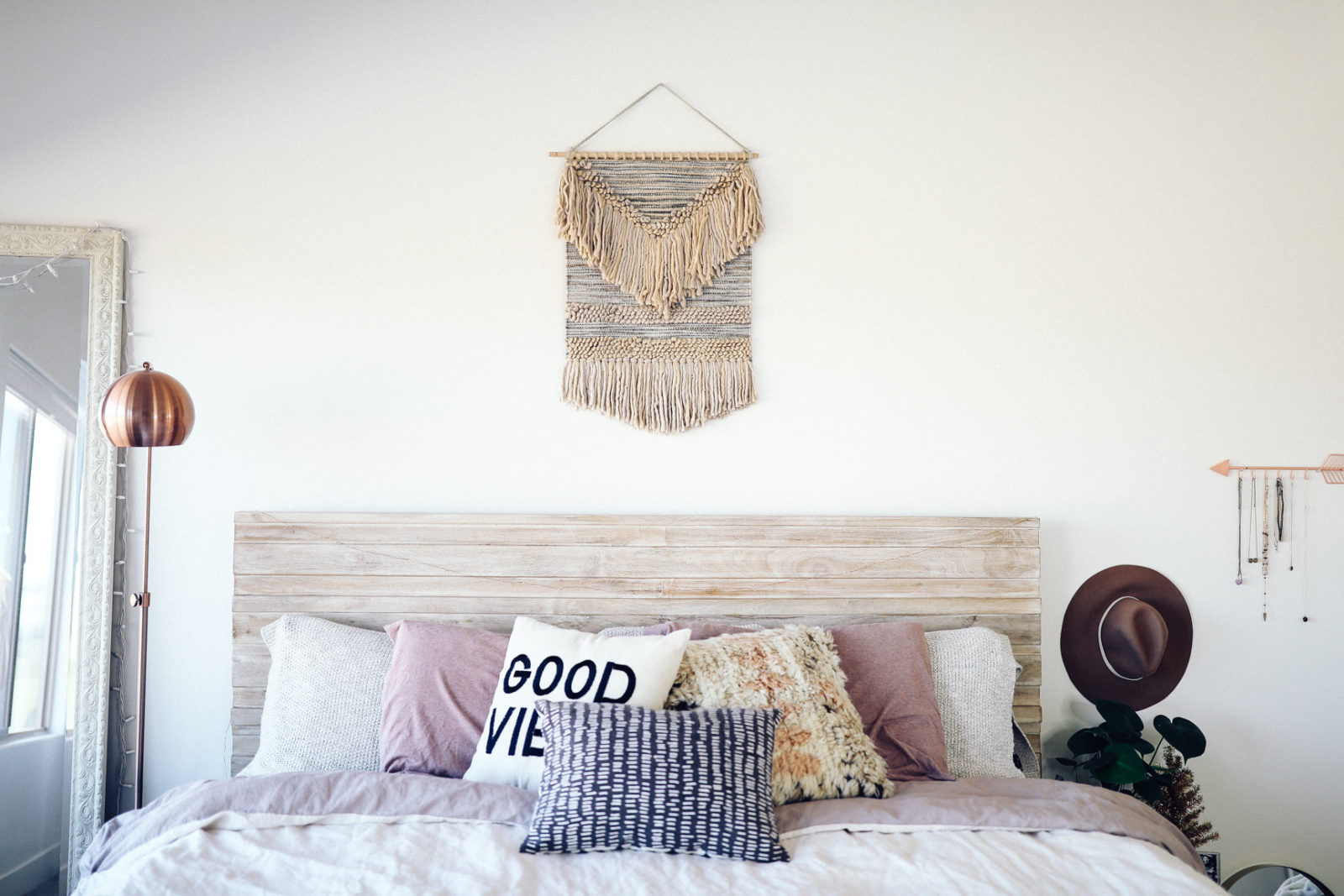New winter room makeover ft urban outfitters for Bedroom ideas urban